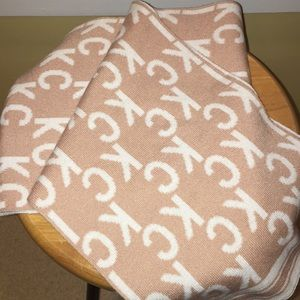 New women's Scarf